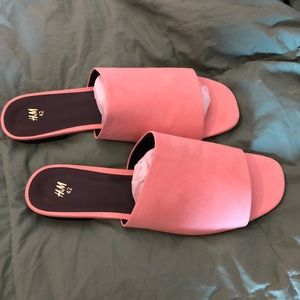 💕 New H&M slides 💕